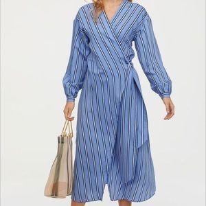 Striped knee-length wrap kimono dress